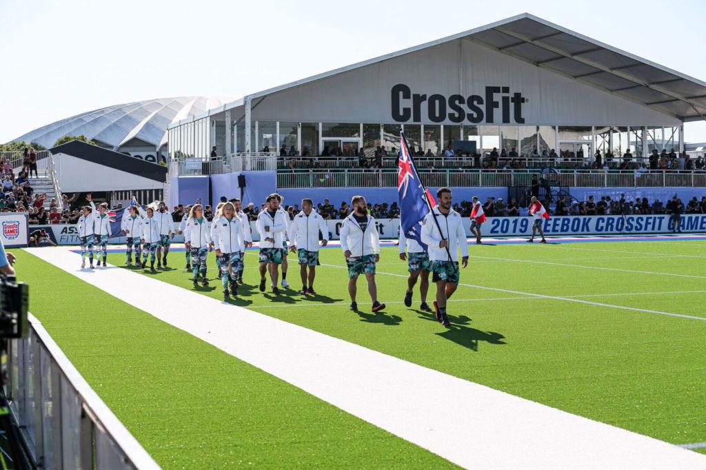 Atleti durante la cerimonia inaugurale